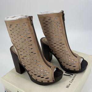 MIA Aubrey Peep Toe Platform Natural Leather Heels